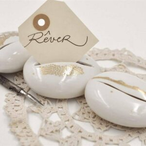 porte-nom marque-place galet en porcelaine