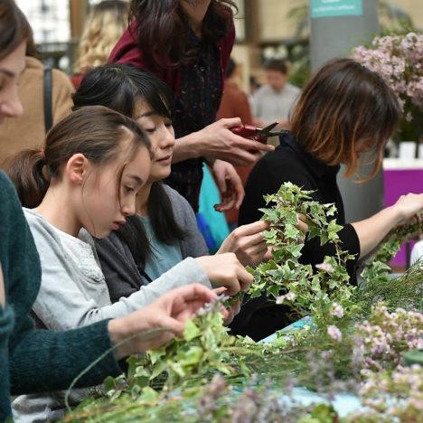 atelier diy couronne de fleurs paris