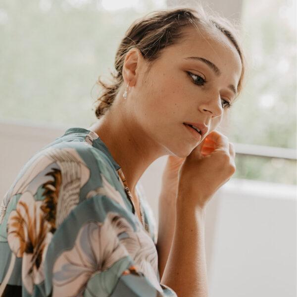 Formule Mariage Maquillage Coiffure à domicile avec ou sans essai par notre maquilleuse pro ou sur le lieu de votre évènement, à Paris et proche banlieue