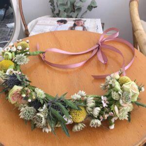 Atelier DIY de couronnes de fleurs organisé à Paris 11ème par Pivoines and love pour votre EVJF, votre anniversaire ou votre évènement pro