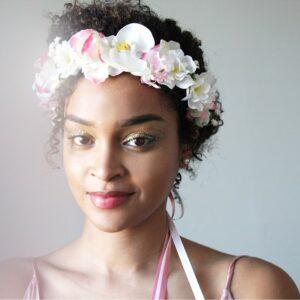 Couronne de fleurs artificielles orchidées et fleurs roses et blanches Couronne faite main à Paris. Couronne pour mariage ou quotidien. Boutique Paris