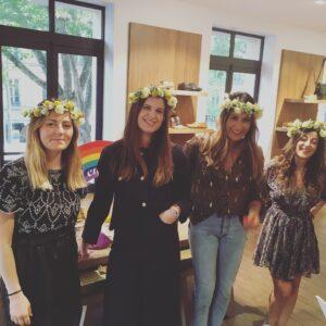 Atelier Couronnes de fleurs chez Bocage ! Atelier corporate couronnes de fleurs dans la boutique Bocage Paris Haussmann pour blogueuses