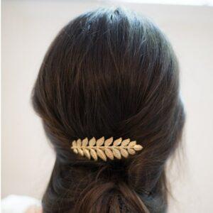 Accessoire de cheveux Peigne feuilles dorées pour coiffure chignon de mariée ou cheveux wavy. Acheter boutique Paris ou en ligne