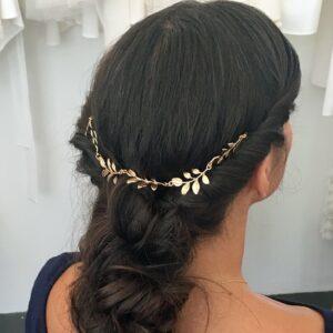 Accessoire de cheveux bijou de chignon feuilles dorées. Accessoire de tête pour mariée pour chignon ou coiffure wavy. Acheter boutique Paris ou en ligne