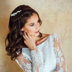 Accessoire de cheveux Peigne long Sophia. Accessoires mariée et témoins. Bijou de tête perles naturelles. Acheter en ligne et boutique Paris