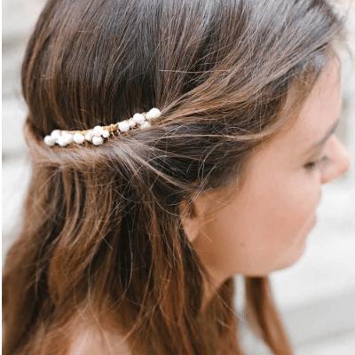 Accessoire de cheveux Peigne Pearl. Accessoires mariée et invités. Bijou de tête perles naturelles. Acheter en ligne et boutique Paris