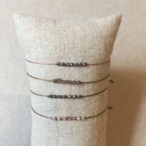 Bracelet cordon pierres fines de couleur Sette par Ka.Paris. Bracelet créateur moins de 40€ fait main. Acheter en ligne et boutique à Paris 11ème