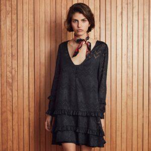 Amenapih Robe courte noire Mimoza. Petite robe noire bohème chic courte à volants pour femme. Acheter en ligne ou boutique à Paris 11ème