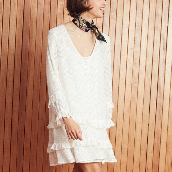 Amenapih Robe courte ivoire Mimoza. Robe bohème chic courte à volants pour femme ou mariage civil. Acheter en ligne ou boutique à Paris 11ème