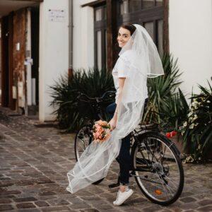 Voile de mariée bordure satin petit prix. Acheter boutique mariage Paris. Accessoire de mariée voile et voilette. Commander en ligne