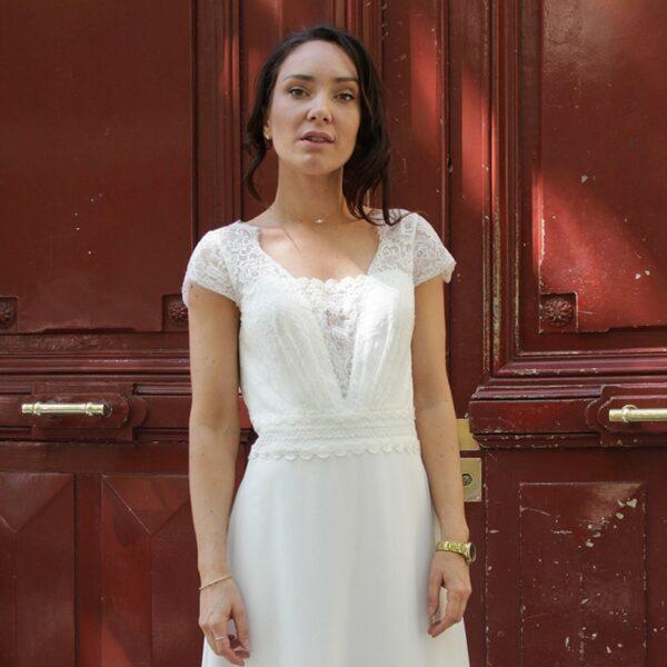 Collier et collier de dos cristaux et perles. Collier de dos fin et délicat pour robe de mariée. Accessoire mariée. Acheter boutique Paris et en ligne