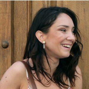 Boucles d'oreille coquillage et perles par la créatrice de bijoux Kariboo. Acheter boutique Paris et en ligne. Expédition rapide en France et à l'étranger