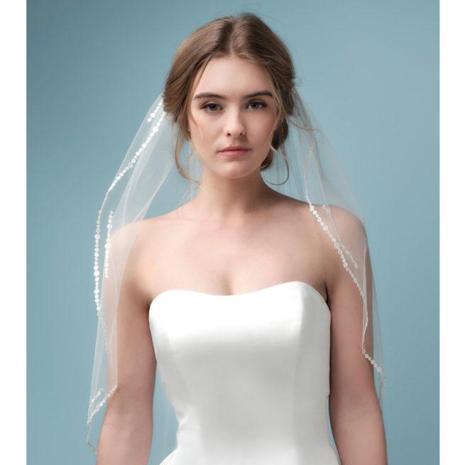 Voile de mariée bordure brodée . Acheter boutique mariage Paris. Accessoire de mariée voile et voilette. Commander en ligne