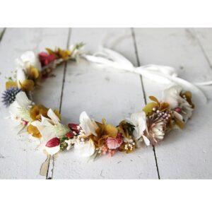 Couronne de fleurs séchées et stabilisées de différentes couleurs. Accessoires cheveux pour mariée ou témoin. Acheter en boutique à Paris et en ligne