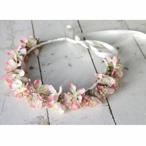Couronne de fleurs artificielles couleur rose pastel. Accessoire de cheveux fleuri pour mariée, témoin ou bridesmaid ! Acheter boutique Paris et online