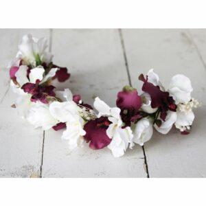 Tiare de fleurs artificielles blanches et bordeaux. Accessoire de cheveux fleuri pour mariée, témoin ou bridesmaid ! Acheter boutique Paris et online