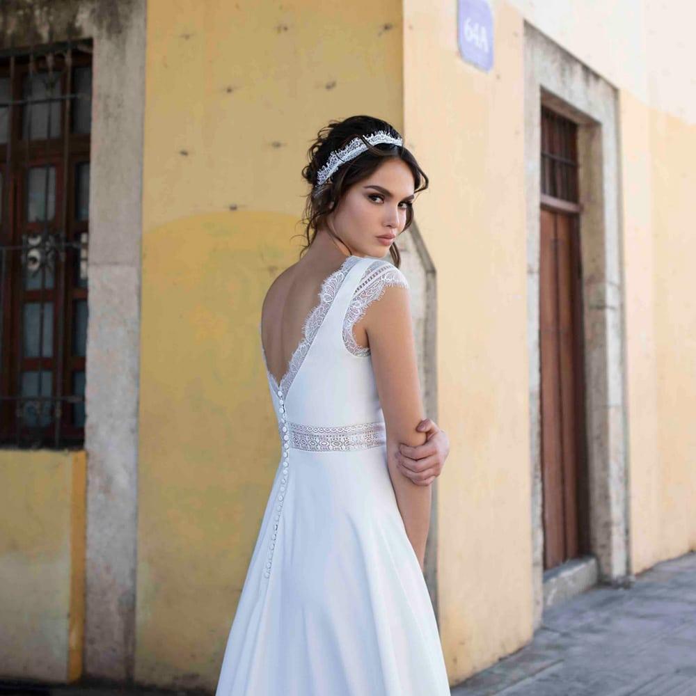 collection robes mariée bohème Bo'M. Robes de mariée longues et blanches à des prix corrects, moins de 1000 euros. Acheter boutique mariage Paris