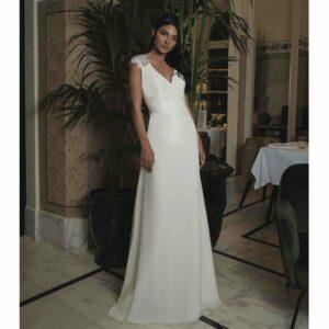 Robe de mariée longue et classe Ornella by One and Only 2020. Robe blanche mariage. Acheter boutique Paris et en ligne. Prendre RDV essayage
