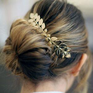 Peigne pour cheveux petites feuilles dorées. Accessoire de cheveux doré et stylé pour mariage ou quotidien. Acheter boutique Paris et eshop