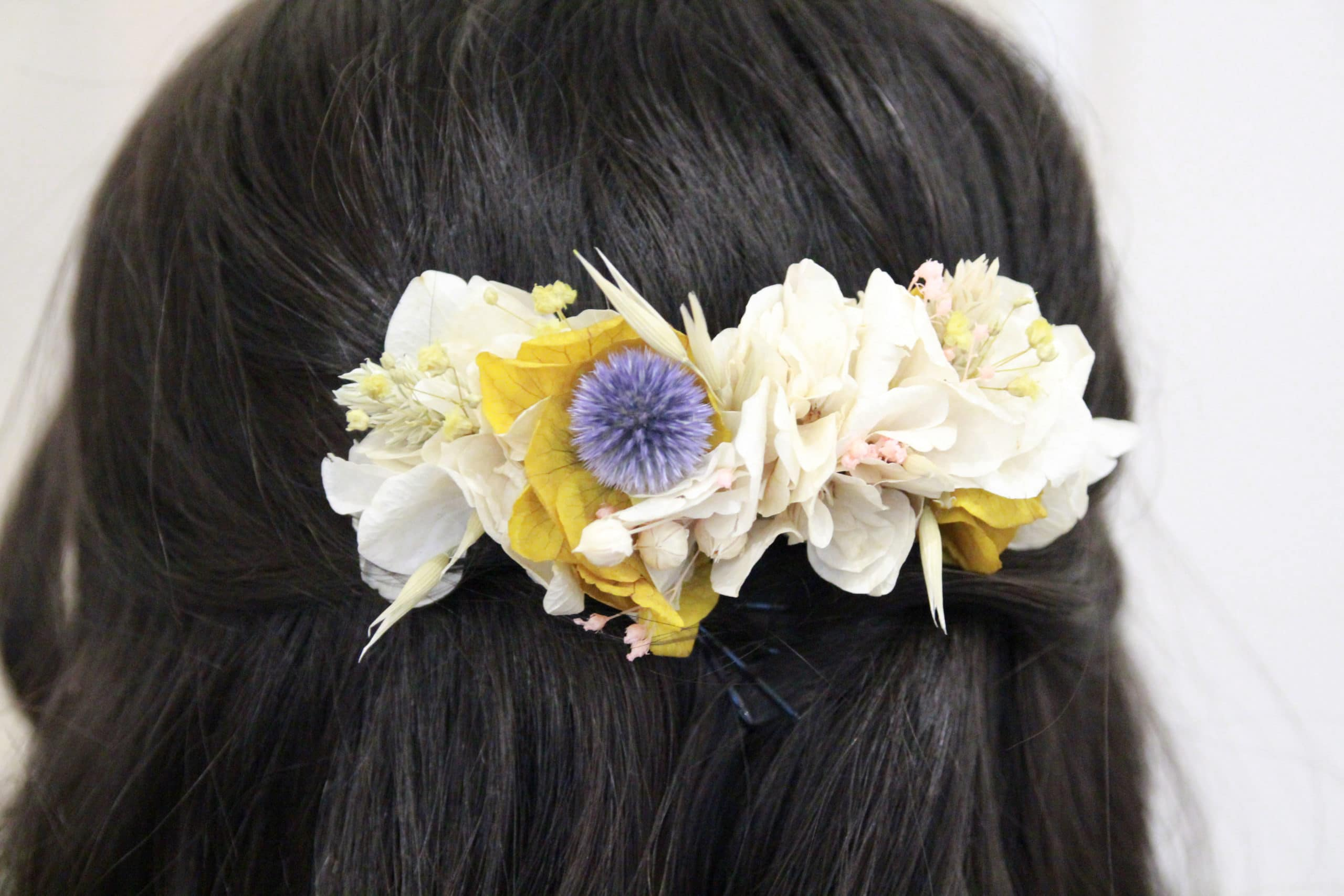 Anna pour Pivoines and love accessoires cheveux couronnes de fleurs, peignes et tiares fleurs séchées et stabilisées acheter boutique Paris et en ligne