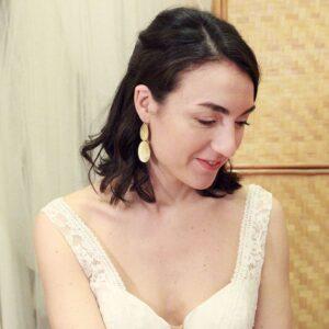 Boucles d'oreille collection Plumetti pendantes longues ovales. Bijou plaqué or bohème chic pour mariée ou quotidien. Acheter boutique Paris et en ligne