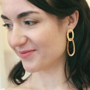 Boucles d'oreille collection Plumetti pendantes anneaux ovales pour mariée ou quotidien. Acheter boutique Paris et en ligne