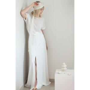 By Romance - Jupe longue blanche mariée Gertrude. Jupe fendue à boutons blanc ivoire. Tenue de mariée ensemble stylé. Acheter boutique Paris et en ligne
