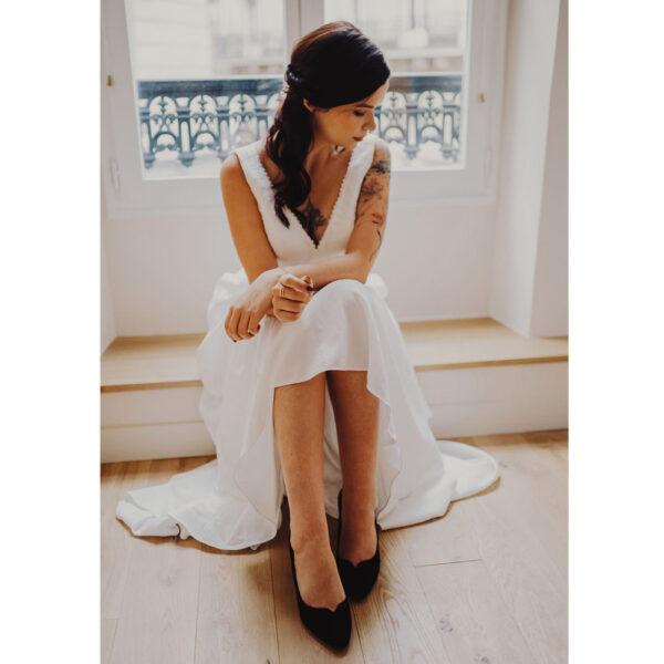Robe de mariée longue Camille Bo'M collection 2021. Robe bohème chic dentelle. Essayer RDV robe de mariée boutique mariage à Paris 11ème