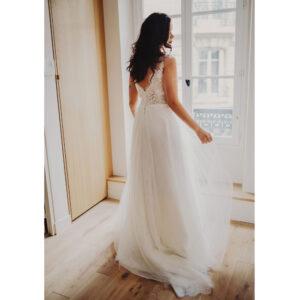 Robe de mariée longue Cassandre Bo'M collection 2021. Essayer RDV boutique mariage à Paris 11ème. Robe dentelle et tulle bohème