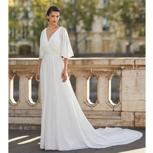 Robe de mariée fluide Wagner collection Alma 2021. robe de mariée cache coeur et dos nu fluide et simple. Essayer boutique mariage paris