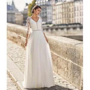 Robe de mariée bohème Walysa collection Alma 2021. robe de mariée dentelle et dos nu fluide alma rosa clara. Essayer boutique mariage paris