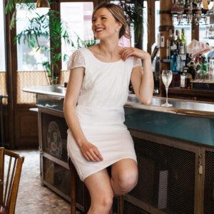 Robe de mariée courte blanche ivoire et dentelle Juliette. Robe mariage civil dos nu. Acheter boutique paris et en ligne