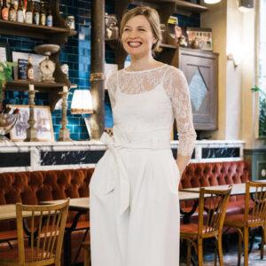 Top de mariée en dentelle blanc ivoire manches longues. Haut mariage civil court. Acheter boutique paris et en ligne