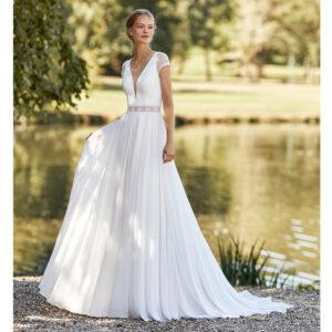 Robe de mariée bohème Walter collection Alma 2021. robe de mariée fluide et dos transparent. Essayer boutique mariage paris