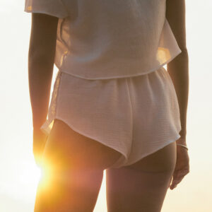Lingerie Short blanc ivoire dentelle Bianca par Icone lingerie. Ensemble sexy. Acheter en ligne et boutique à Paris 11ème