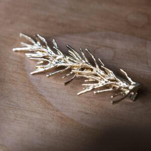Barrette clip dorée décor branche. Accessoire de cheveux doré et stylé pour mariage ou quotidien. Acheter boutique Paris et eshop