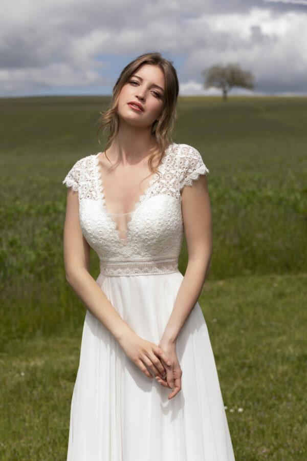 Robe de mariée longue Daniela haut dentelle