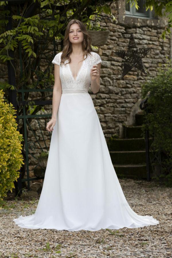 Robe de mariée longue Daphné haut dentelle
